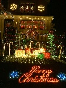 Top 10 biggest outdoor christmas lights house decorations holiday best outdoor christmas decorations cbs news mozeypictures Image collections