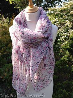 Vintage Cream Beige Pink Purple Ditsy Floral Print Pashmina Scarf Wrap Sarong