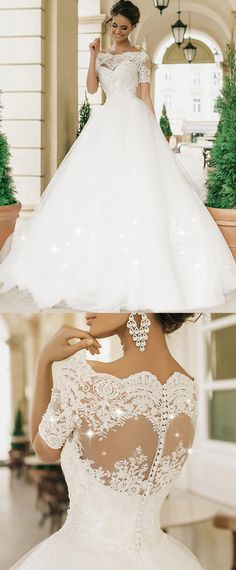 Amazing Tulle Off-the-shoulder Neckline Ball Gown Wedding Dresses With Lace Appliques