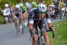 残り6kmでアタックするニキ・テルプストラ(オランダ、オメガファーマ・クイックステップ)