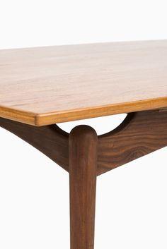 Danish dining table in teak at Studio Schalling