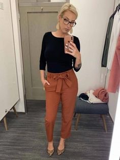 99 Fashionable Office Outfits and Work Attire for Women to Look Chic and Stylish – Lifestyle Scoops Stylish Work Outfits, Winter Outfits For Work, Curvy Outfits, Mode Outfits, Work Casual, Ladies Outfits, Chic Outfits, Classy Outfits, Business Casual Outfits For Work