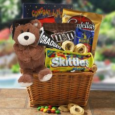Reward their amazing efforts with a delicious array of candies, snacks, a graduation themed photo album and an adorable graduation teddy bear. Bf Gifts, Graduation Gifts, Party Gifts, Funny Gifts, Teacher Gifts, Graduation Ideas, Graduation Project, Party Fun, Snacks