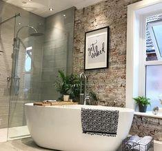Mooie inloop douche met vrijstaand bad