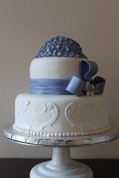 Blue hydrangea cake