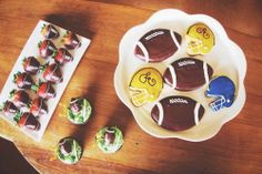 If you've got a sweet tooth, we've got the selection you're looking to serve at your Super Bowl party. Check out the full menu by clicking on the link below! Order now and pick them up on the day of the big game from either Ellie's Table or Jay's Catering.   http://jayscatering.com/menus/special/superbowl_14_jays.pdf
