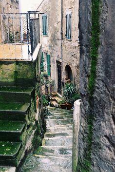 Narrow streets of Sorano, Tuscany