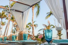 Classic and elegant. Celebrate your dream wedding at Dreams Los Cabos Suites Golf Resort & Spa!