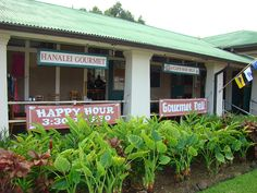 Love the Hanalei gourmet - wonderful cafe in the old school.  The old chalk boards serve for specials... views of the old volcano and often see several waterfalls running in the distance after it rains.  Fabulous fish, sandwiches and drinks.