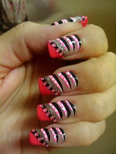 Pink and black tiger stripes nail art. #nails #nailart #nailpolish #manicure