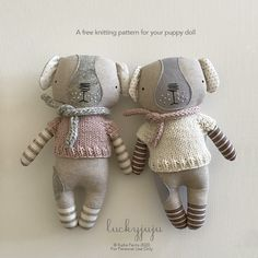 Ravelry: Luckyjuju Puppy Sweater pattern by Katia Ferris Knitting Doll Sweaters, Knitted Dolls Free, Jumper Knitting Pattern, Free Knitting, Knitting Patterns, Doll Patterns Free, Diy Baby Gifts, Fabric Toys, Cat Doll