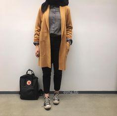 Pinterest: adarkurdish Modern Hijab Fashion, Modesty Fashion, Hijab Fashion Inspiration, Arab Fashion, Muslim Fashion, Look Fashion, Korean Fashion, Cute Fashion, Fashion Outfits