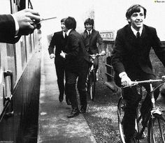 Beatles: Ringo Starr George Harrison John Lennon Paul McCartney A Hard Day's Night United Artists by Rides a Bike Ringo Starr, Day And Night Movie, A Hard Days Night, Night Film, John Lennon Paul Mccartney, Linda Mccartney, Richard Starkey, The Criterion Collection, The Fab Four
