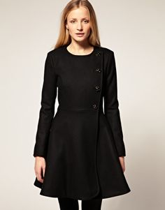 oh, if I had $331.74 to spend on a coat. It's *exactly* like the one that Julie Christie wears in Darling.