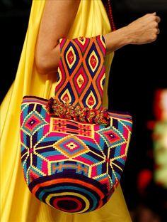 La moda indígena wayúu se toma la pasarela del Círculo de la Moda de Bogotá | La Prensa Latina
