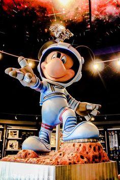 Mission Space Disney Face Characters, Disney Movies, Disney Stuff, Disney Mickey, Disney Parks, Mickey Mouse, Disneyland, Walt Disney Imagineering, Adventures By Disney
