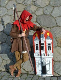 Dit soort schilden werden voornamelijk door schutters gebruikt en tijdens belegeringen. Medieval Weapons, Medieval Life, Medieval Knight, Armor Clothing, Shield Design, Medieval Costume, Arm Armor, Fantasy Costumes, European History