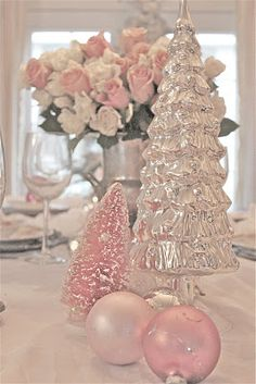 pretty pink christmas table decorations and ornaments