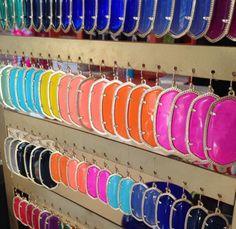 Kendra Scott Earrings - working on having them in every color! Kendra Scott Danielle Earrings, Kendra Scott Jewelry, Cute Jewelry, Jewlery, Jewelry Accessories, Jewel Box, Diamond Are A Girls Best Friend, Gold Earrings, Southern Marsh