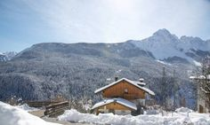 Romantic SPA Valle di Cadore Romantic SPA offers accommodation in Valle di Cadore, 19 km from Cortina d?Ampezzo and 41 km from Canazei. It provides free private parking. Free WiFi is provided throughout the property.  The kitchenette comes with a fridge.