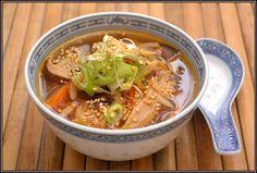 ŐRÜLTEN  JÓ ÉTELEK : Kínai és leves avagy A főzés legyen pánik mentes Chili, Cooking Recipes, Soup, Chile, Chilis, Soups, Recipes, Chowder