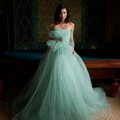 Some kind of amazeballs wonderful, one supremely gorgeous dress from Karen Caldwell Design!