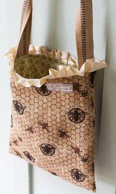 Free Bag Pattern and Tutorial - Burlap Tote Bag Pattern