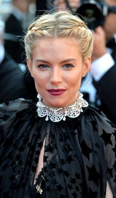 When a fishtail doesn't seem formal enough, turn to this twisted plait from Sienna Miller. It's just two french braids running back toward the nape that end in a chic chignon. 2015 Hairstyles, Holiday Hairstyles, Celebrity Hairstyles, Braided Hairstyles, Cool Hairstyles, Braided Updo, Hairstyle Photos, Wedding Hairstyles, Sienna Miller