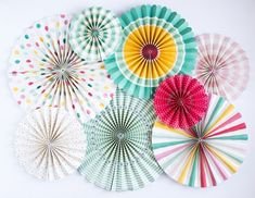 Party Fans Hooray set of 8