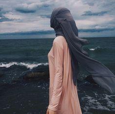Guraba (غرباء)'s photos Arab Girls, Muslim Girls, Niqab, Muslim Pictures, Dps For Girls, Girly Pictures, Girly Pics, Islam Women, Girls Dp Stylish