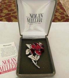 NOLAN MILLER FIRST LADY NANCY REAGAN RED ROSE ENAMEL RHINESTONE FLOWER PIN BOX
