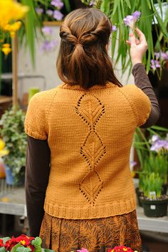 """Still loving this beautiful pattern. """"Leaflet"""" by Cecily Glowik MacDonald in Quince & Co. Osprey."""