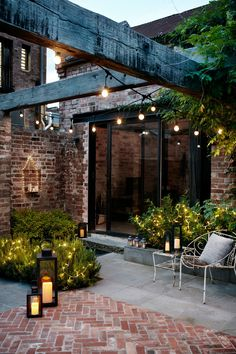 Evening Courtyard in Australia with lanterns and festoon lights