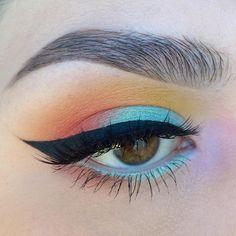 """@katvondbeauty Mi Vida Loca Palette, @nyxcosmetics Prismatic Eyeshadow in mermaid, @makeupgeekcosmetics wisteria, and @kokolashes in goddess #batalash…"""