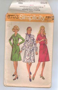 Vintage Simplicity Pattern 9703 Dress/Three Sleeves Size 18 1972   jjandedt - Clothing on ArtFire