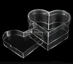 Custom heart shape transparent acrylic box with lid Acrylic Sheets, Acrylic Box, Clear Acrylic, Plastic Box Storage, Food Storage Containers, Acrylic Display Case, Box Manufacturers, Box With Lid, Color Shapes