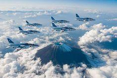 ブルーインパルス✕富士山|Timely gocci