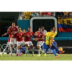 05/09/2014 #BRASIL 1 ✖ 0 #COLOMBIA  Foto: @rafaelribeirorio  _____________________________________ #Brasil #Brasileira #Brazil #Seleção #soccer #FootBall #seleçãobrasileira #CBF #Follow #FollowMe #Nike #FIFA #2014 #brazilingram #rumoaohexa #ouseserbrasileiro #BrasilFootballNationalTeam @neymarjr #10