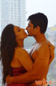 Rituparna Sengupta and Indraneil Sengupta in Mahanayika (2016) new Kolkata Bangla movie: Back story Trailer Tollywood Film Preview only at http://www.washingtonbanglaradio.com/content/25095416-mahanayika-rituparna-senguptas-glorious-reflcetion-tollywood-queen-silver-screen-ba
