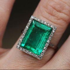 bellandbird - Edwardian Era Emerald & Diamond Ring in Platinum. 4.7 carats surrounded by pave set single cut stones.