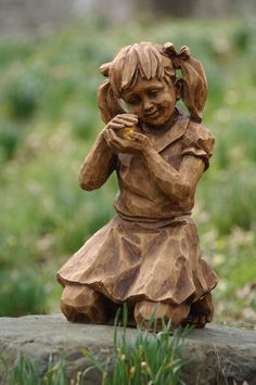 Girl With Firefly Solar Garden StatueatWillowtreehome.com