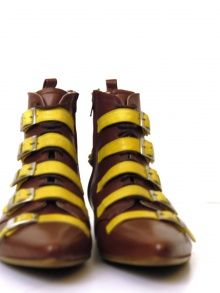 Yvan Boot Womens Love these boots! Sock Shoes, Shoe Boots, Derby, Fashion Shoes, Fashion Accessories, E Mc2, Equestrian Boots, Vogue, Yellow And Brown