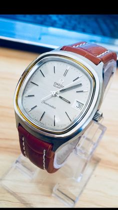Check out the best Omega Watches of All Time! Check out the best Omega Watches of All Time! Check out the best Omega Watches of All Time! Modern Watches, Vintage Watches For Men, Luxury Watches For Men, Cool Watches, Men's Watches, Male Watches, Cartier, Omega Seamaster Quartz, Seamaster 300