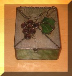 Grape Cluster stained glass box
