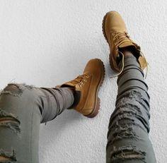 Timberland Boots, an American Icon ~ Fashion & Style Fashion Killa, Look Fashion, Autumn Fashion, Stilettos, Timberland Boots Outfit, Timberlands, Timberland Fashion, Pantalon Cargo, Shoe Image