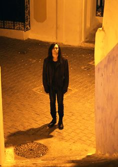 Tom Hiddleston (Only Lovers Left Alive) Imagine waking up to look out your window and see this, Ahh!!