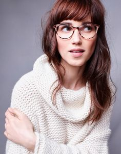 Wavy Side-Part Hairstyle - 60 Super Chic Hairstyles for Long Faces to Break Up the Length - The Trending Hairstyle Side Part Hairstyles, Bob Hairstyles With Bangs, Chic Hairstyles, Long Hair With Bangs, Baddie Hairstyles, Hair Bangs, Updo Hairstyle, Prom Hairstyles, Bangs And Glasses