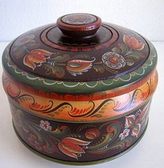 Vest Agder Style Covered Bowl