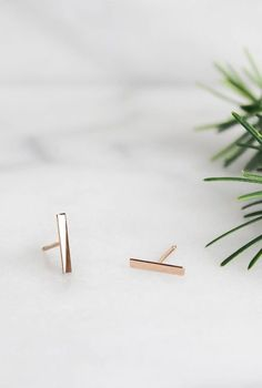 14k Rose Gold Line Stud Earrings | Vrai & Oro