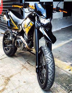 Yamaha xt225 motard